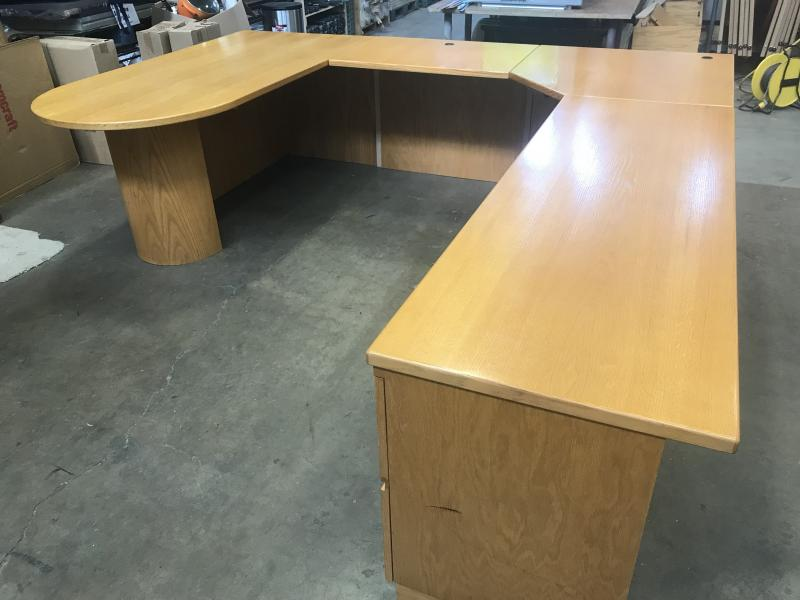 Laminate U-Shape Desk (Pre Owned ) Color Maple
