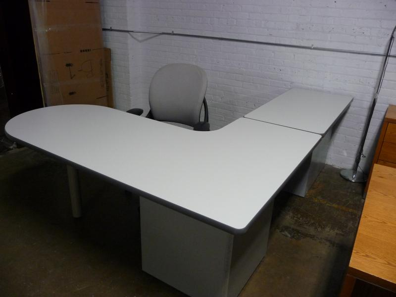 Laminate Office Desk ( Work Station)  6x8 / 6x7 / 6x6 or 6x5